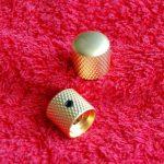 knoppen_gold_mat.jpg